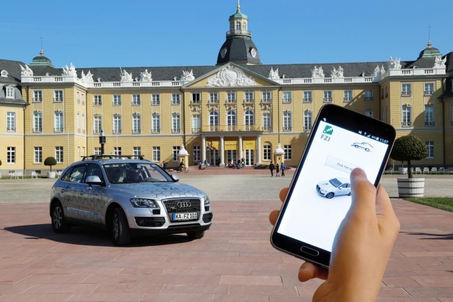 Autonomous driving in front of the castle in Karlsruhe  Source FZI