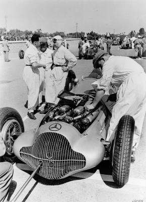 Tripoli Grand Prix, 15 May 1938. Rudolf Caracciola and mechanics preparing the Mercedes-Benz W 154 Formula racing car. Rudolf Caracciola secured 3rd place.